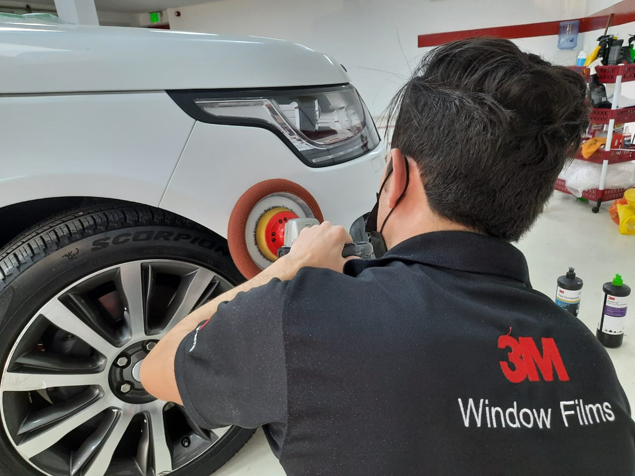 4 Tips How to Apply Car Polish at Your Vehicle in Dubai